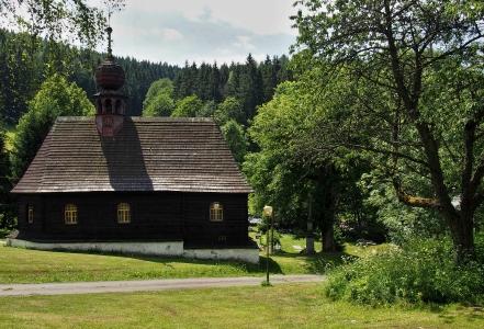 Dřevěný kostel sv.Jana Nepomuckého Klepáčov_1