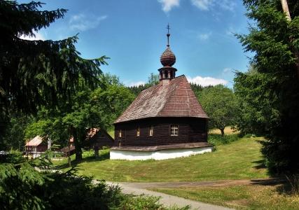 Dřevěný kostel sv.Jana Nepomuckého Klepáčov_3