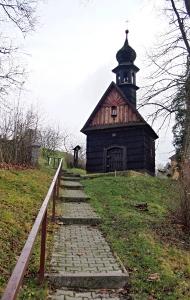 Dřevěná kaple Panny Marie v Kozlově _1