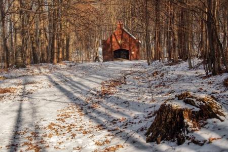 Dřevěná poutní  kaple sv. Kříže v Lískovci_2