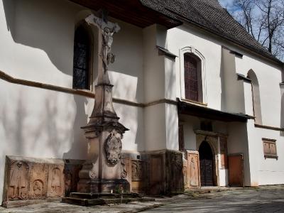 Moravská Třebová - Hřbitovní kostel Povýšení sv. Kříže_3