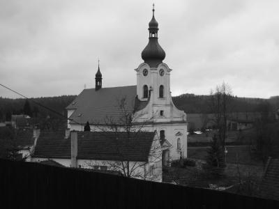 Poutní kostel sv. Panny Marie Bolestné, Jednov_1