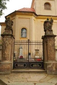 Poutní místo s kostelem Panny Marie Bolestné Homole._22