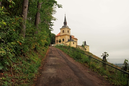 Poutní místo s kostelem Panny Marie Bolestné Homole._24