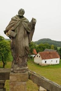 Poutní místo s kostelem Panny Marie Bolestné Homole._5