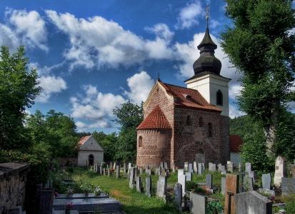 Stříbrná Skalice - Rovná - Románský kostel sv. Jakuba Většího_11
