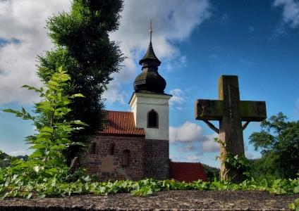 Stříbrná Skalice - Rovná - Románský kostel sv. Jakuba Většího_2